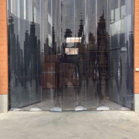 Chiusura a strisce ingresso magazzino Porte in strisce PVC - Venturello