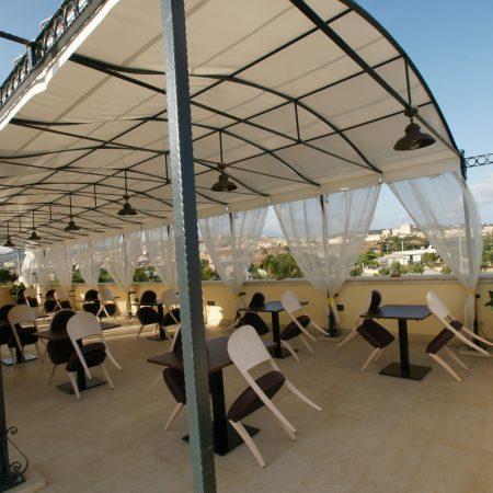 Copertura su misura terrazza estiva ristorante - Dehors e pergole - Venturello