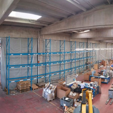Teloni con tubolari per chiusura industriale - Chiusure per industria - Venturello