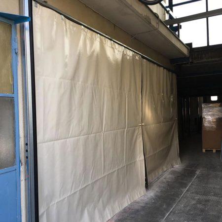 Teloni scorrevoli per tettoie industriali - Chiusure per industria - Venturello