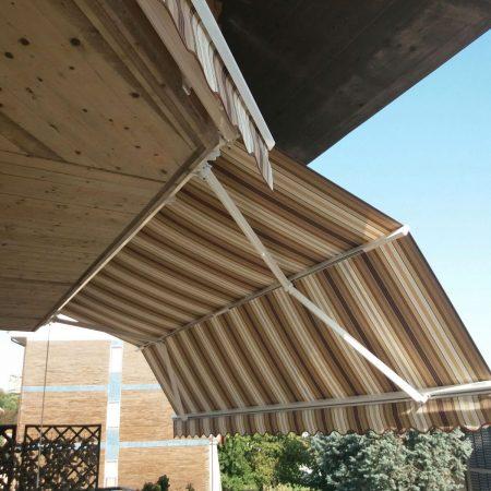 Tenda da sole con frangitratta centrale - Venturello