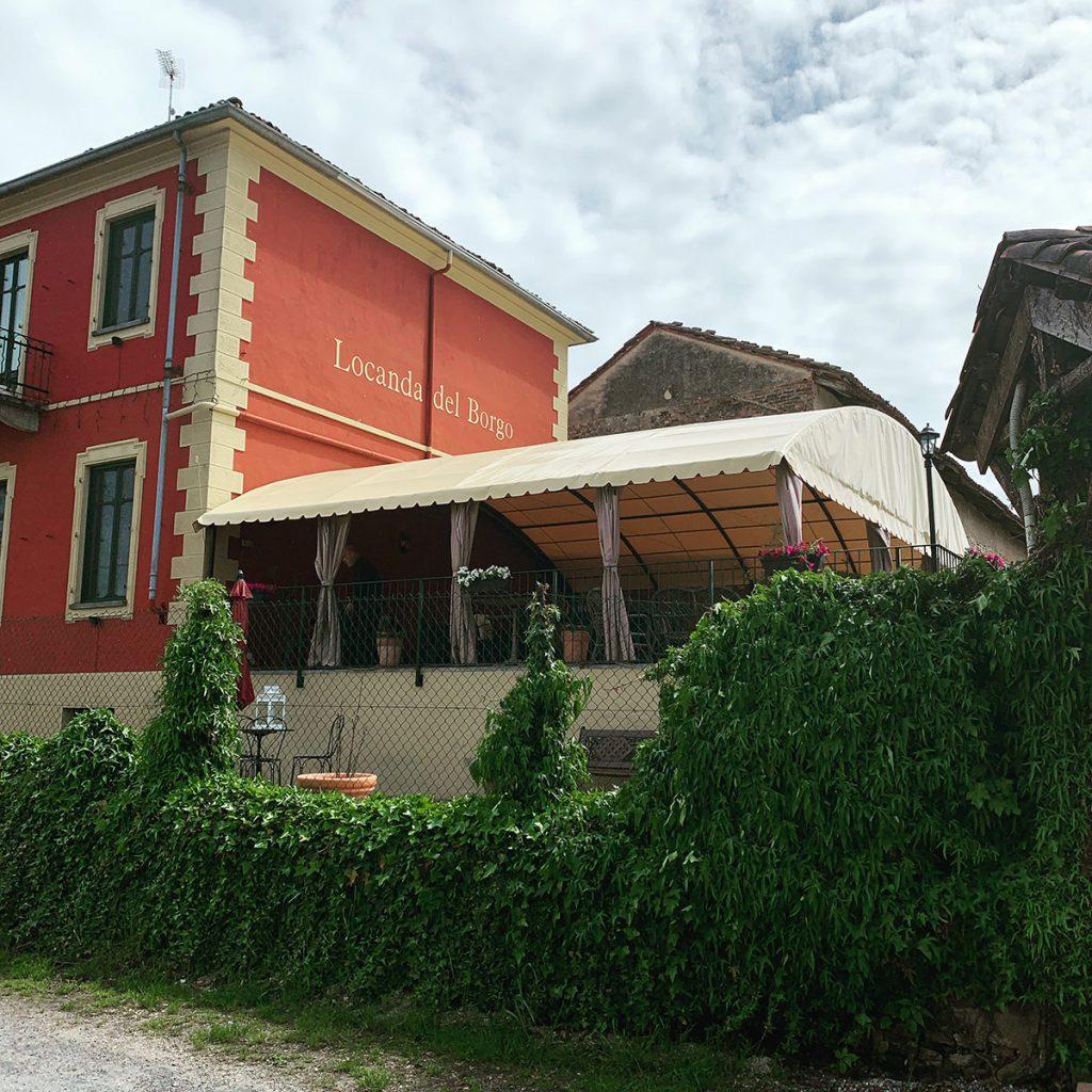 Dehors per La Locanda del Borgo Carmagnola (TO)