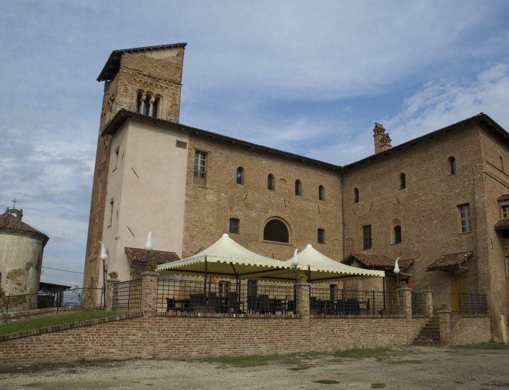 Gazebi area esterna Castello di Borgo Corveglia Villanova d'Asti (AT)