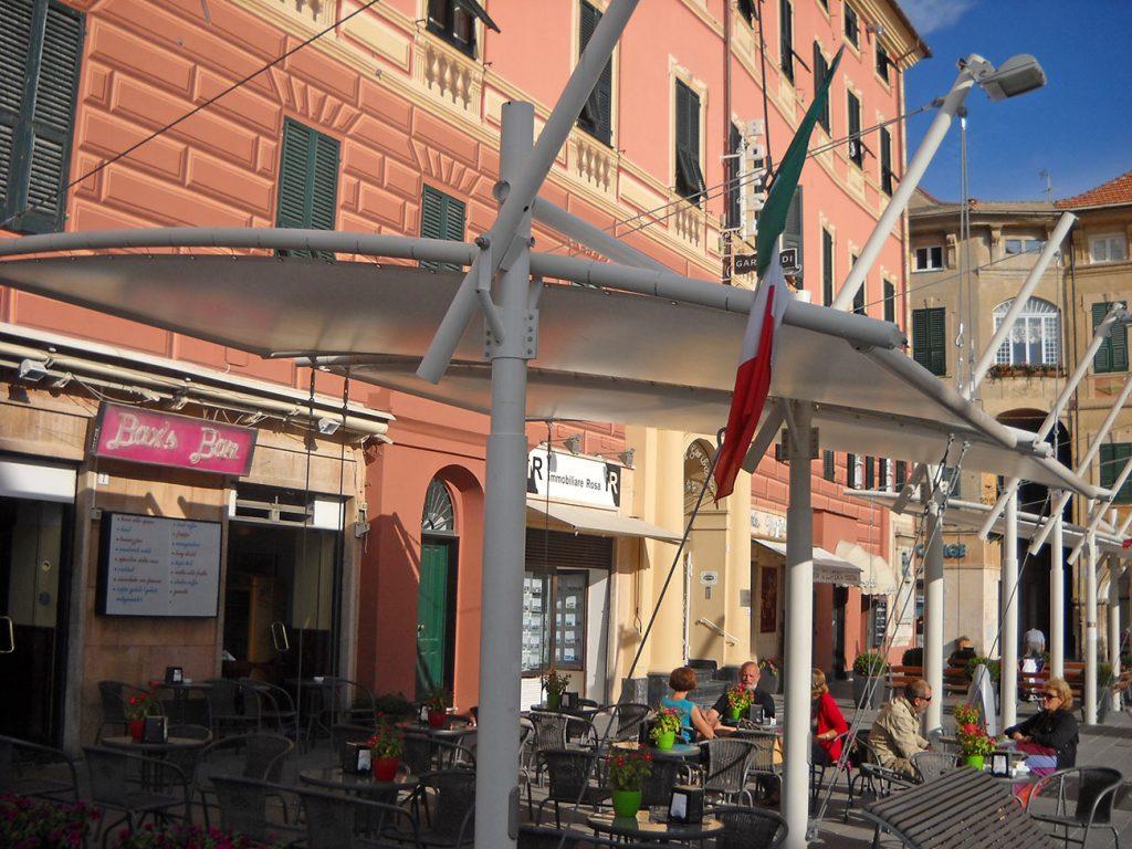 Vele in Piazza Vittorio Veneto Finale Ligure (SV)