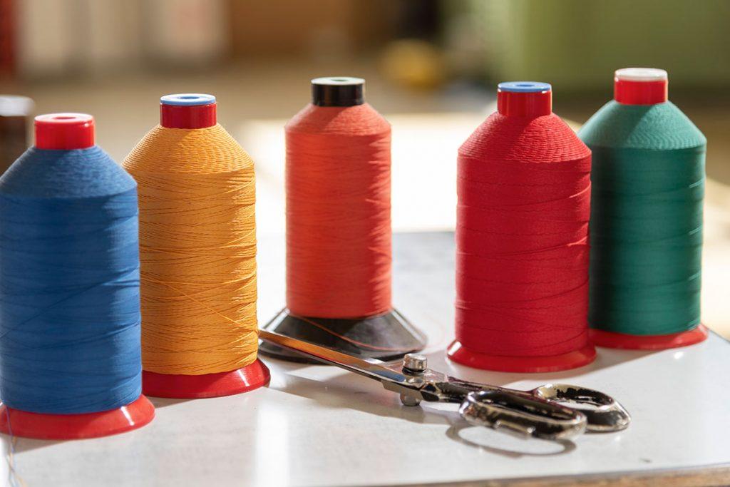 Venturello®: azienda specializzata in teloni impermeabili anche occhiellati e teli in PVC